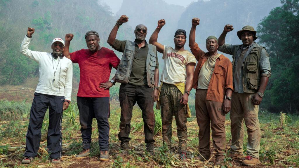 Bratrstvo pěti účtuje s válečnouminulostí…